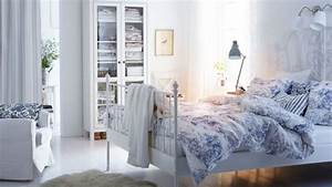 Schlafzimmer Set Ikea : bettw sche ein schlafzimmer mit wei em leirvik bettgestell mit 3 teiligem emmie land ~ Orissabook.com Haus und Dekorationen