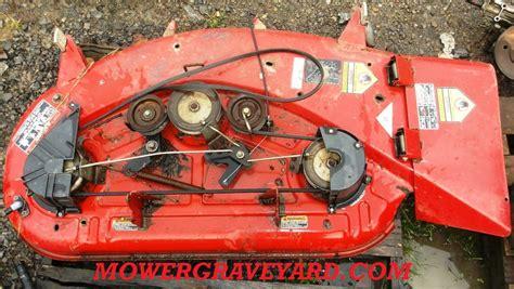 toro 44 mower deck model 79108 95 6107 125 00 lawn mower grave yard equipment used