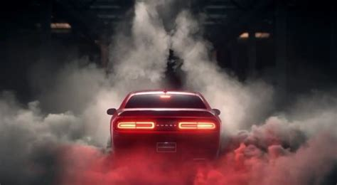 dodge challenger turns  burnout  art video