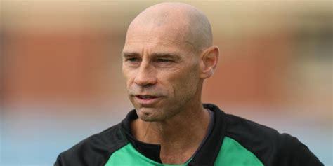 David Hemp appointed as Pakistan women team's head coach ...