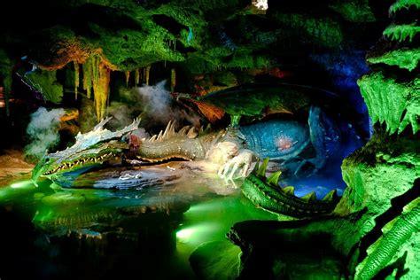 disneyland paris castle la taniere du dragon youtube