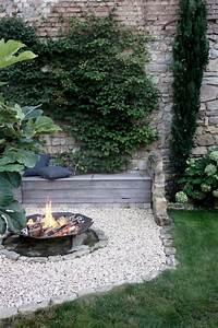 Freisitz Im Garten : die 25 besten ideen zu feuerstelle garten auf pinterest ~ Lizthompson.info Haus und Dekorationen