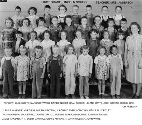 Lincoln Elementary - Drumright, OK, 1st Grade - 1945-46