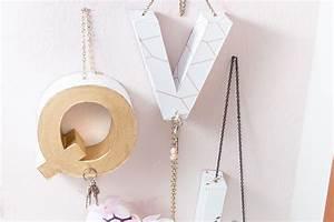 Transfer Potch Selber Herstellen : diy f r die garderobe schl sselbrett aus pappbuchstaben selber machen ~ Eleganceandgraceweddings.com Haus und Dekorationen
