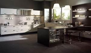 Idee relooking cuisine cuisine equipee bois serenite for Idee deco cuisine avec cuisine Équipée et aménagée