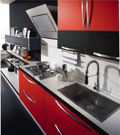 mi cocina roja  piso negro  blanco deco cocinas