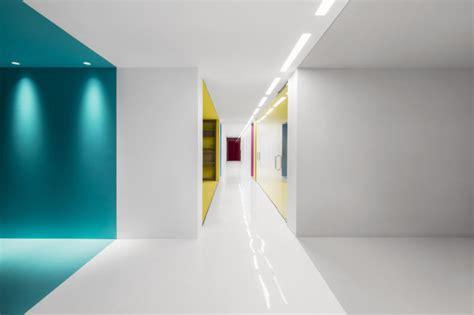 Angenehme Atmosphäre Am Arbeitsplatz Durch Farbe Office
