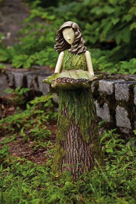 decorate  garden  tree stumps   amazing