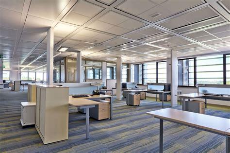 les bureaux nouvelles agences de la macif meublées par actiu