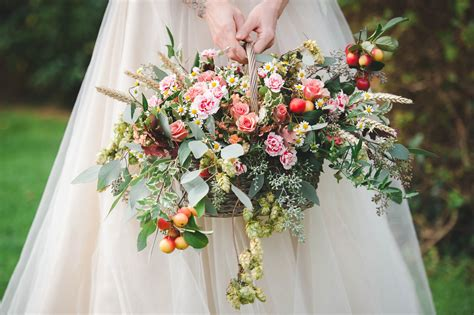rustic autumnal english country garden wedding inspiration