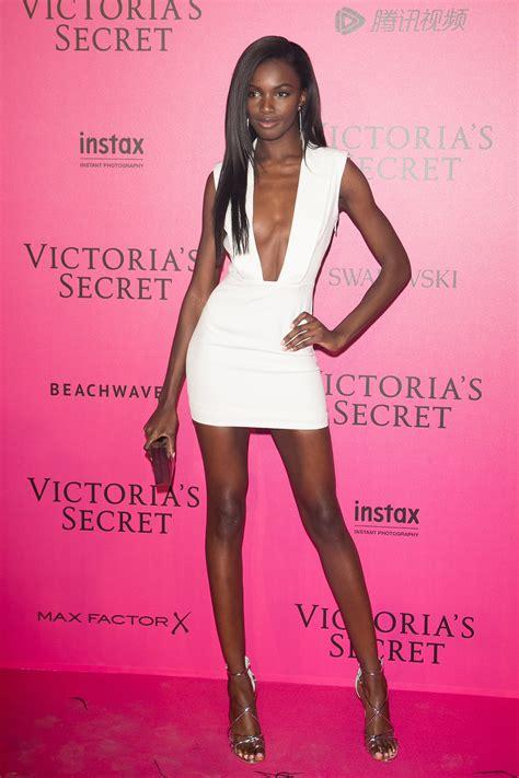 POPSUGAR UK | Victoria secret fashion show, Victoria ...