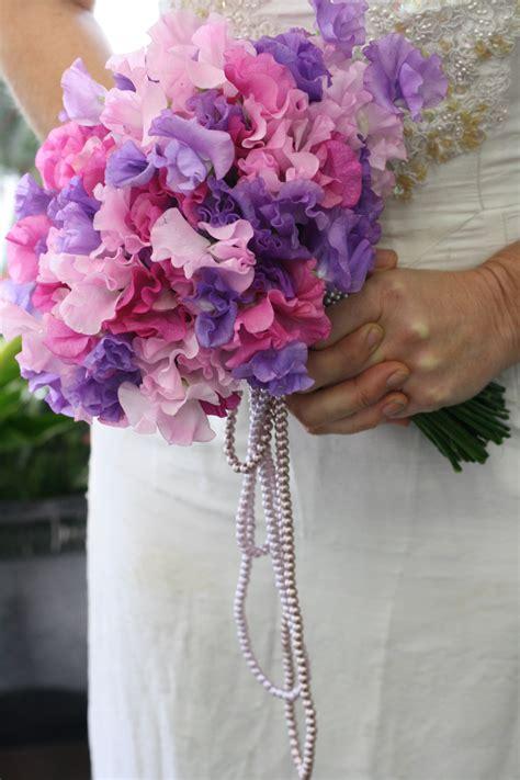 memorable wedding picking summer wedding flowers