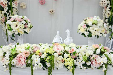 dont  flower costs wilt  wedding budget living
