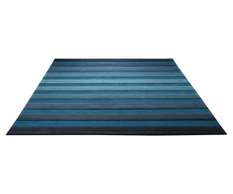 tapis salon bleu turquoise idees de decoration