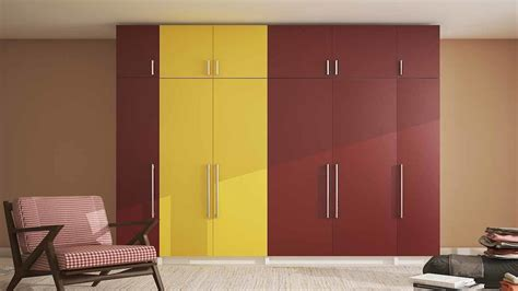 Bedroom Cupboard Designs For Small Rooms by Cupboard Design For Small Bedroom In India 2018 Wooden