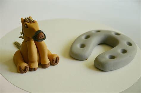 cheval en pate a sucre modelage cheval en p 226 te 224 sucre do you cake