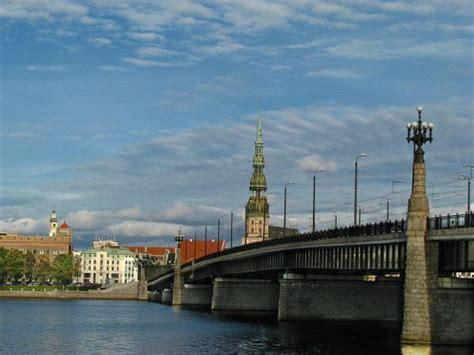 Akmens tilts - Rīga