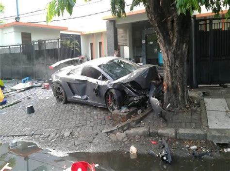 indonesia rich racers kill  fatal accidents  evade
