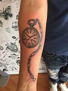 Tatouage Montre A Gousset Avant Bras : tatouage montre gousset homme cochese tattoo ~ Carolinahurricanesstore.com Idées de Décoration