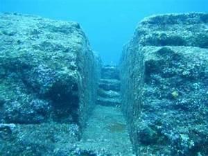 Mysterious 10,000 Year-Old Underwater Ruins in Japan ...