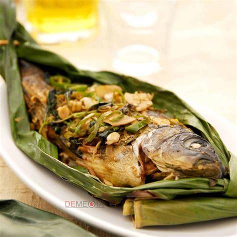 Gurihnya daging ikan mas dikombinasikan dengan bumbu pedasnya dijamin bikin kamu enggak inget timbangan. Resep dan Cara Memasak PEPES IKAN MAS DURI LUNAK yang ...
