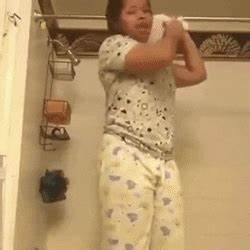 GIRL HANGS HERSELF WITH TOILET PAPER | Create, discover ...