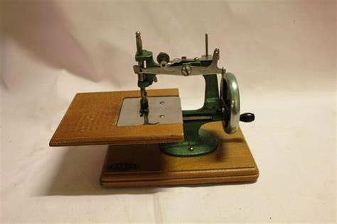 grain miniature sewing machine xxxx antique complex
