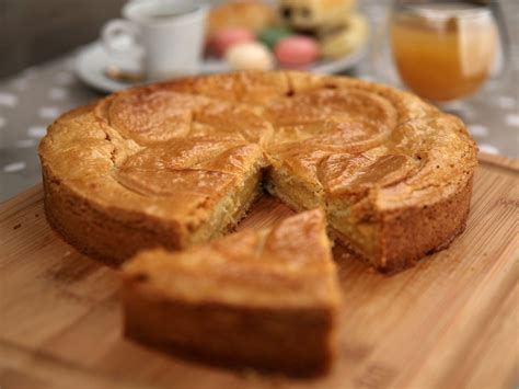 le gâteau basque à la crème bayonne biarritz anglet