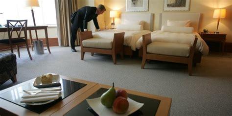 salaire femme de chambre palace park hyatt vendôme les femmes de chambre obtiennent 420
