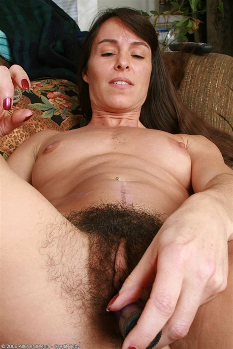 Spicey Milf With A Very Hairy Pussy Toys Herself Pichunter
