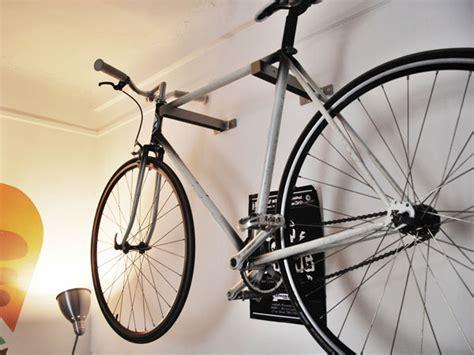 accroche velo idees petit appartement accueil design et mobilier