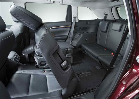 does a honda pilot second row captains chairs autos