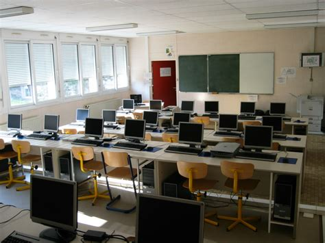 Notre-Dame International High School Paris: French Campus Facilities