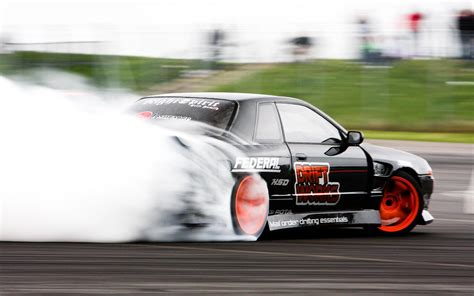 nissan skyline drift wallpaper nissan skyline gt r r32 drift desktop wallpapers free on