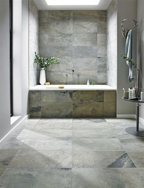 Badezimmer Fliesen Kombination by Badezimmer Kombination Aus Feinsteinzeug 60x60 Cm Auf Dem