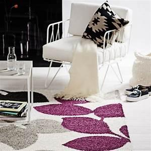 Teppich Lila Weiß : teppich lila wei gepunktet interessante ideen f r die gestaltung eines raumes in ~ Indierocktalk.com Haus und Dekorationen