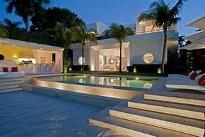 Sunset Islands SOBE Luxury Homes