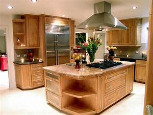 Kitchen Islands: Add Beauty, Function and Value to the