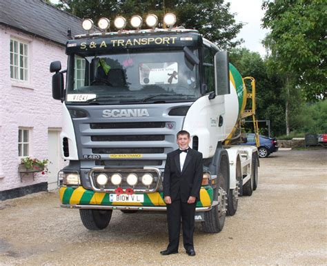 Prom Transport by S A Transport At School Prom News From Lorryspotting