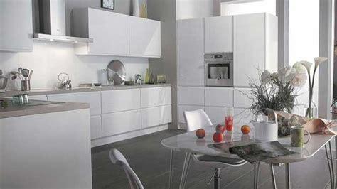 deco cuisine gris et blanc cuisine noir blanc gris