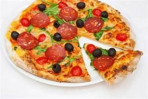 Italienische Möbel Essen : die pizza informationen historie rezepte und variationen ~ Sanjose-hotels-ca.com Haus und Dekorationen