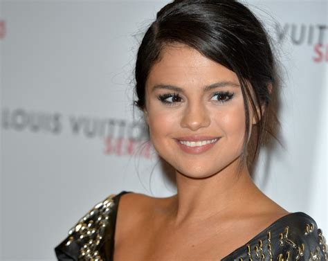 Selena Gomez Talks 'Hotel Transylvania 2,' Best Childhood ...
