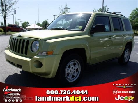 dark green jeep patriot 2010 jeep patriot sport in optic green metallic photo 6