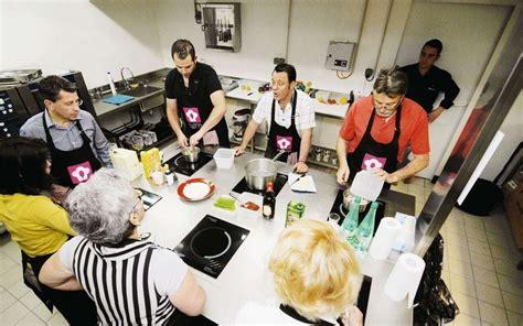 cours de cuisine à deux un cours de cuisine sans stress entre deux courses sud