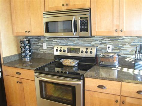 how to install backsplash in kitchen 10 different ways for diy kitchen backsplash elly 39 s diy