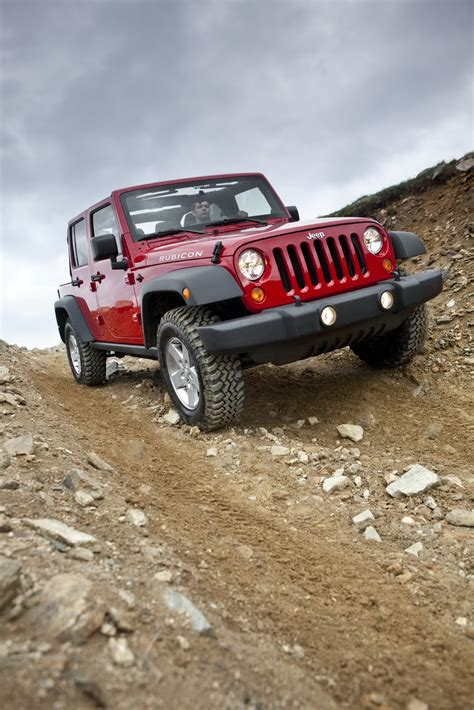 2011 jeep wrangler facelift first official photos