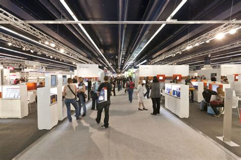 Floor Show by Trade Show Marketing 17 Tips That Will Attract Prospects