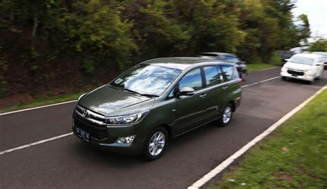 Toyota Kijang Innova Backgrounds by Alasan Toyota All New Kijang Innova Dijajal Di Bali