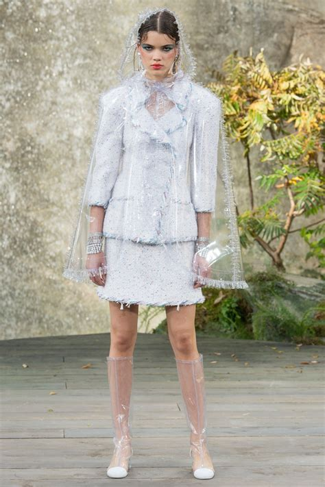 Chanel Spring 2018 Ready To Wear Fashion Show Mode