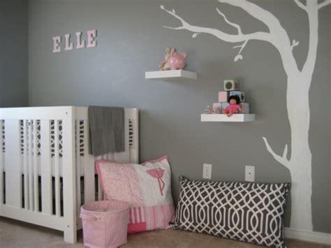 chambre b and b déco chambre bébé fille en gris pourquoi pas